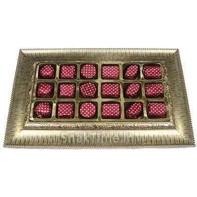 Blasta 18 Chocolates Wooden Gift Tray B18MDFT