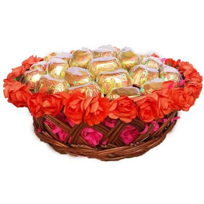Valentines Chocolate Gift Basket vc500g